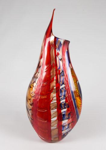 Vaso pinzo alto rosso blu ambra, battuto