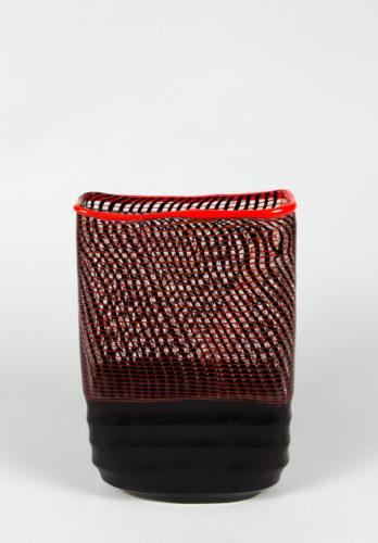 Vaso cubismo doppia filigrana nero rosso battuto